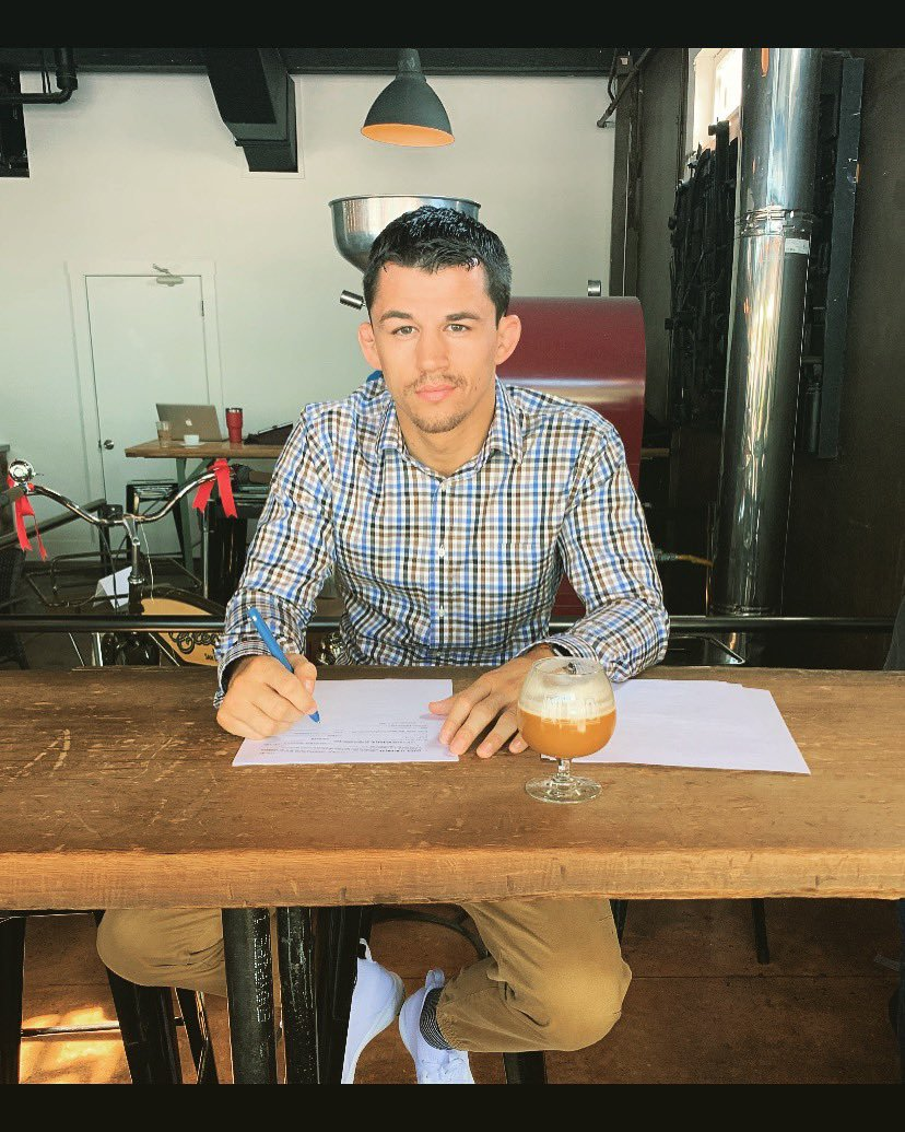 Billy Quarantillo signing the contract for his second shot at the UFC on Dana White's Contender Series. Photo from Billy's Twitter - @BillyQMMA, April 4, 2019.